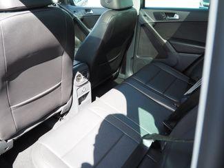2011 Volkswagen Tiguan SE 4Motion wSunroof & Navi Englewood, CO 9