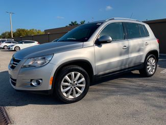 2011 Volkswagen Tiguan SE in Lighthouse Point FL