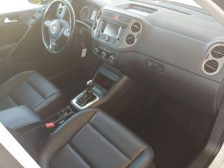 2011 Volkswagen Tiguan SE 4Motion wSunroof & Navi LINDON, UT 19
