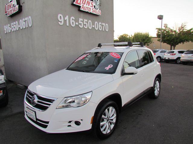 2011 Volkswagen Tiguan SE Very Clean in Sacramento CA, 95825