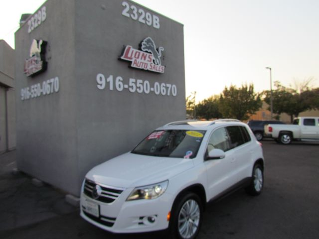 2011 Volkswagen Tiguan SEL w/Premium Navi in Sacramento, CA 95825