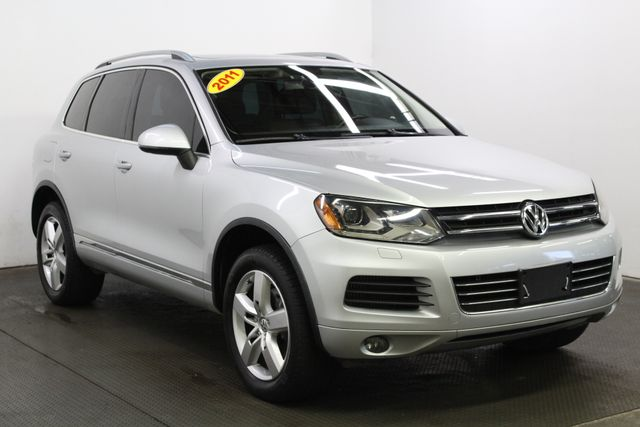 2011 Volkswagen Touareg Lux