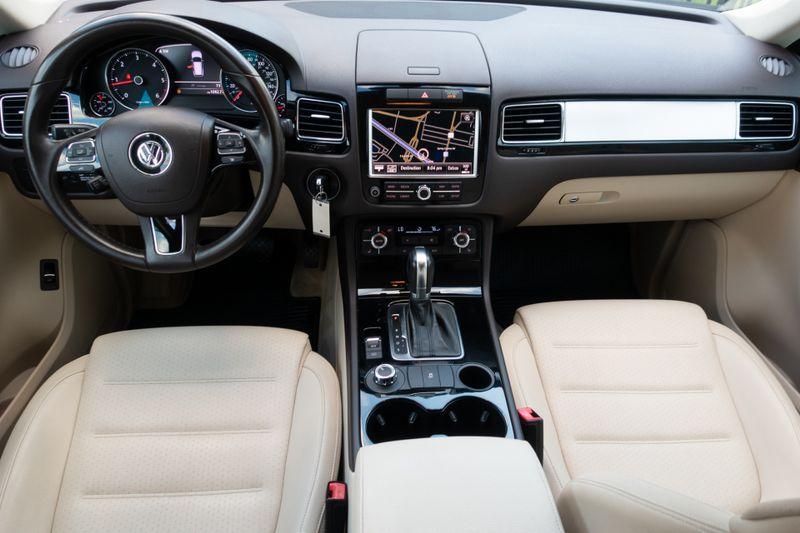 2011 Volkswagen Touareg Sport   Texas  EURO 2 MOTORS  in , Texas