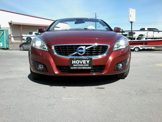 2011 Volvo C70 retractable convertible Boerne, Texas 3
