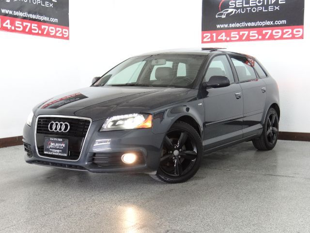 2012 Audi A3 2.0 TDI Premium Plus, LEATHER SEATS, PANO ROOF