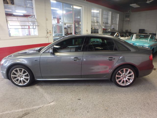 2012 Audi A4 Quattro Prem + FRESHLY SERVICED TRADE  IN, LOADED, EXTREMELY CLEAN. Saint Louis Park, MN 4