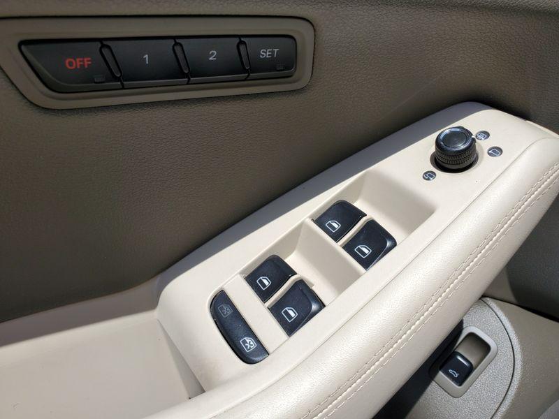 2012 Audi Q5 32L Prestige  Brownsville TX  English Motors  in Brownsville, TX