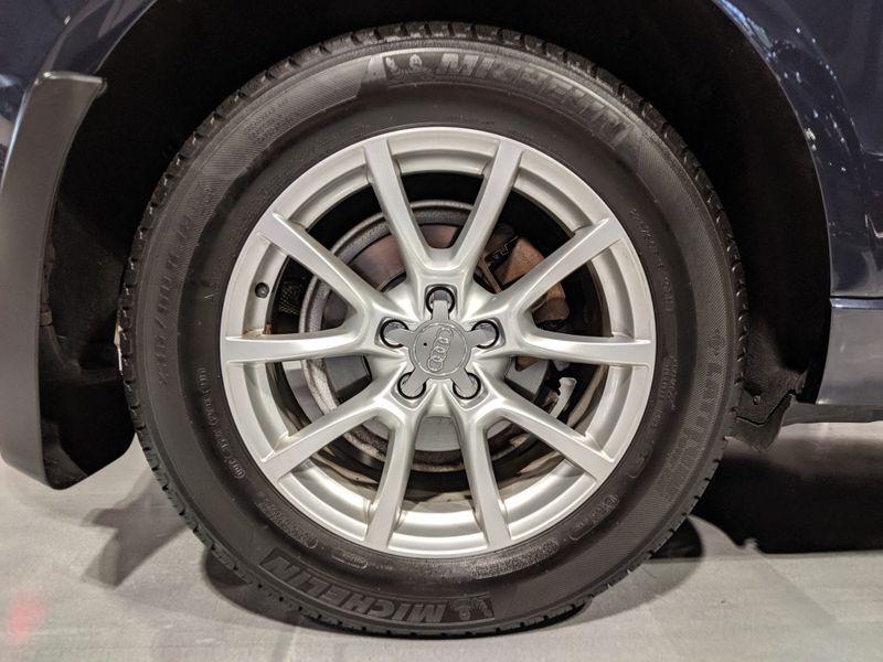 2012 Audi Q5 20T Premium Plus  Lake Forest IL  Executive Motor Carz  in Lake Forest, IL