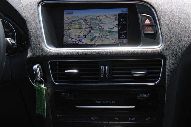 2012 Audi Q5 2.0T Premium Plus St. Louis, Missouri 13