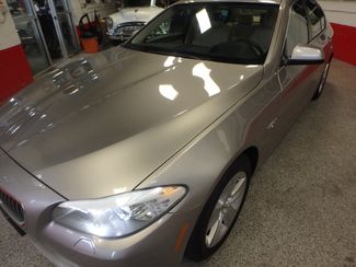 2012 Bmw 528x-Drive, IMPRESSIVE, TIGHT, & LOADED Saint Louis Park, MN 34