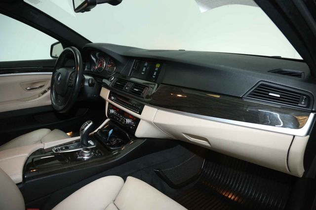 2012 BMW 550i Houston, Texas 24
