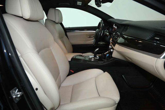 2012 BMW 550i Houston, Texas 25