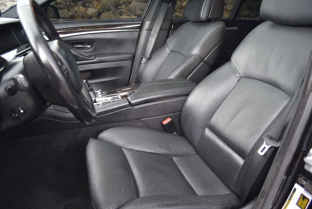 2012 BMW 550i xDrive Naugatuck, Connecticut 17