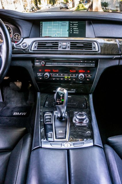 2012 BMW 750i Reseda, CA 23