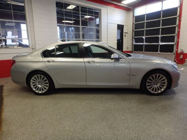2012 Bmw 750i X-Drive EXTREMELY CLEAN, DRIVES LIKE NEW, TIGHT!~ Saint Louis Park, MN 1