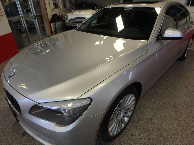 2012 Bmw 750i X-Drive EXTREMELY CLEAN, DRIVES LIKE NEW, TIGHT!~ Saint Louis Park, MN 44