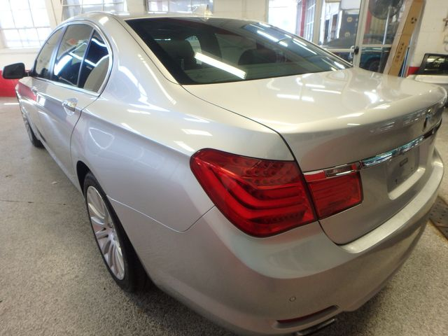 2012 Bmw 750i X-Drive EXTREMELY CLEAN, DRIVES LIKE NEW, TIGHT!~ Saint Louis Park, MN 11