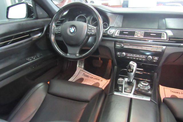 2012 BMW 750i xDrive W/ NAVIGATION SYSTEM/ BACK UP CAM Chicago, Illinois 15