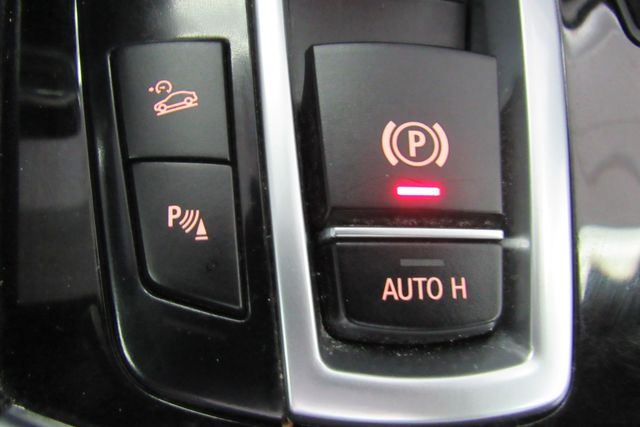 2012 BMW 750i xDrive W/ NAVIGATION SYSTEM/ BACK UP CAM Chicago, Illinois 23