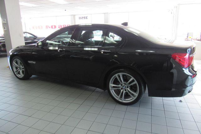 2012 BMW 750i xDrive W/ NAVIGATION SYSTEM/ BACK UP CAM Chicago, Illinois 3