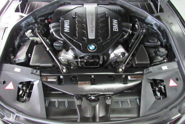 2012 BMW 750i xDrive W/ NAVIGATION SYSTEM/ BACK UP CAM Chicago, Illinois 41