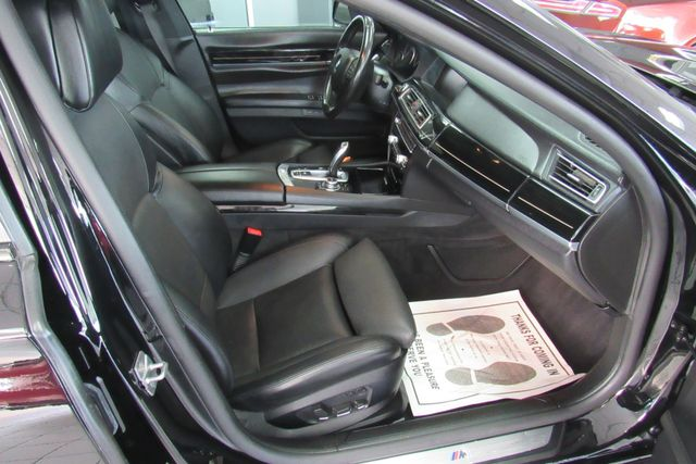 2012 BMW 750i xDrive W/ NAVIGATION SYSTEM/ BACK UP CAM Chicago, Illinois 8