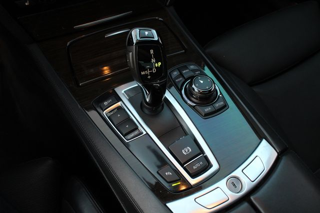 2012 BMW 750Li NAVIGATION HEAD-UP DISPLAY SERVICES RECORDS XLNT CONDITION in Van Nuys, CA 91406
