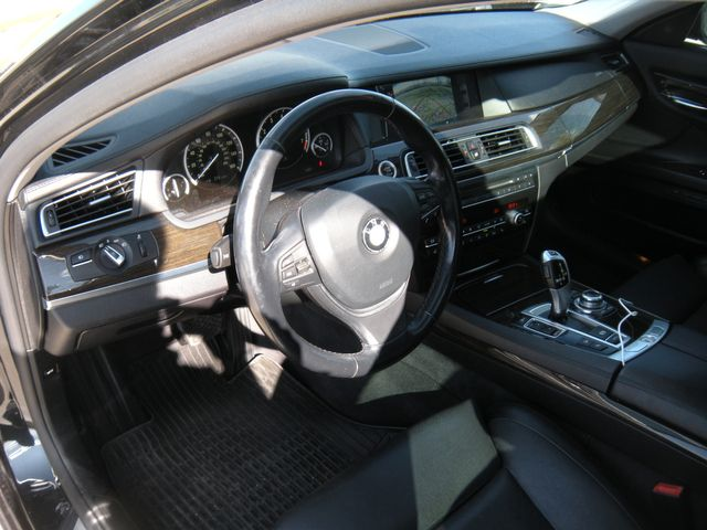 2012 BMW 750Li xDrive Chesterfield, Missouri 11