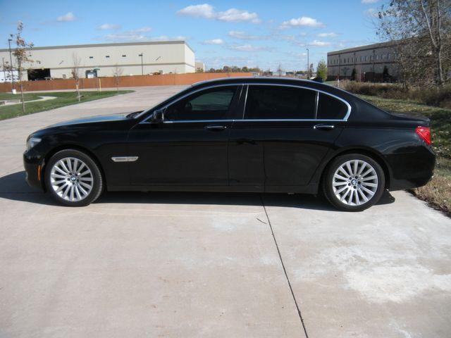 2012 BMW 750Li xDrive Chesterfield, Missouri 3