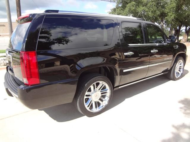 2012 Cadillac Escalade ESV Platinum Edition Austin , Texas 5