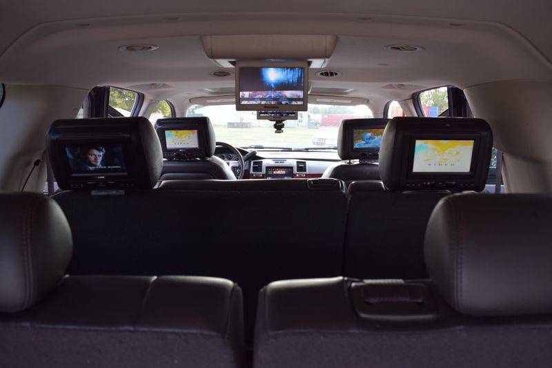 2012 Cadillac Escalade ESV Luxury - Mt Carmel IL - 9th Street AutoPlaza  in Mt. Carmel, IL