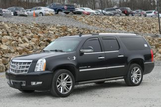 2012 Cadillac Escalade ESV Platinum Edition Naugatuck, Connecticut