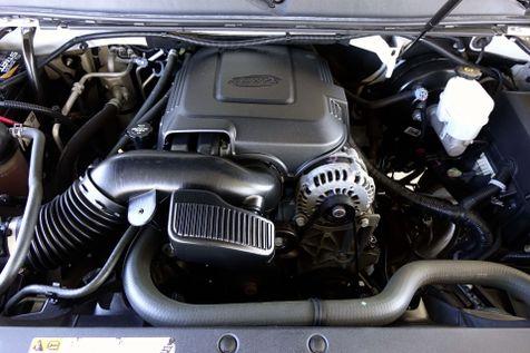 2012 Cadillac Escalade Premium* 22