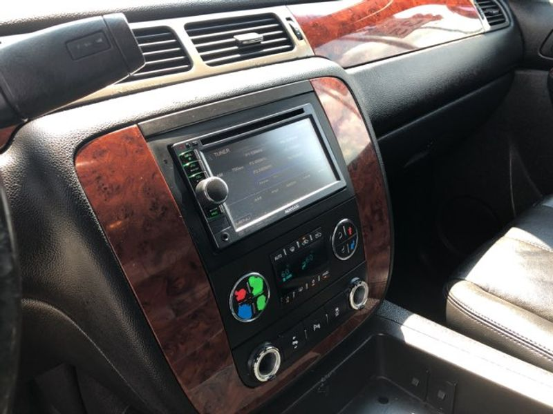 2012 Chevrolet Avalanche LT  city LA  AutoSmart  in Gretna, LA