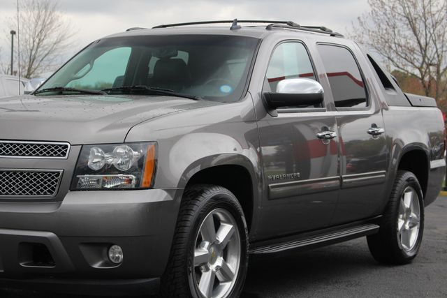 2012 Chevrolet Avalanche LS RWD - ALL STAR EDITION - LEATHER! Mooresville , NC 23