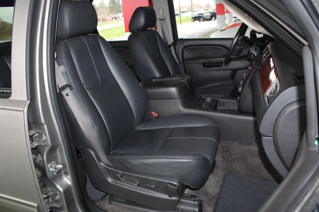 2012 Chevrolet Avalanche LS RWD - ALL STAR EDITION - LEATHER! Mooresville , NC 11
