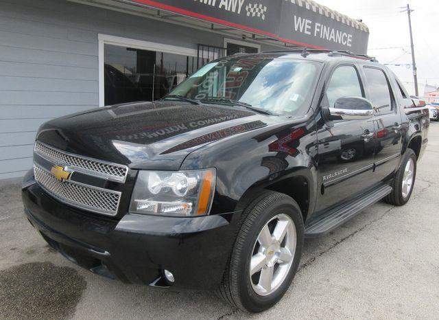 2012 Chevrolet Avalanche LT south houston, TX 1