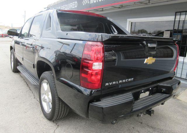 2012 Chevrolet Avalanche LT south houston, TX 3