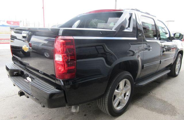 2012 Chevrolet Avalanche LT south houston, TX 5