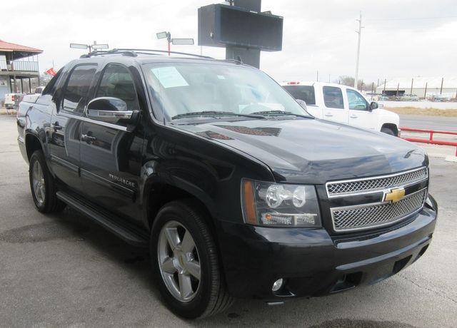 2012 Chevrolet Avalanche LT south houston, TX 6
