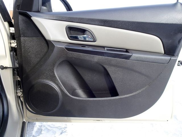 2012 Chevrolet Cruze LS Madison, NC 31