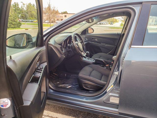 2012 Chevrolet Cruze LT w/1LT Maple Grove, Minnesota 12