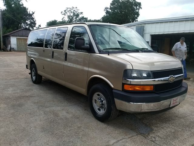 2012 Chevrolet Express 15 Passenger 1LT Houston, Mississippi 1