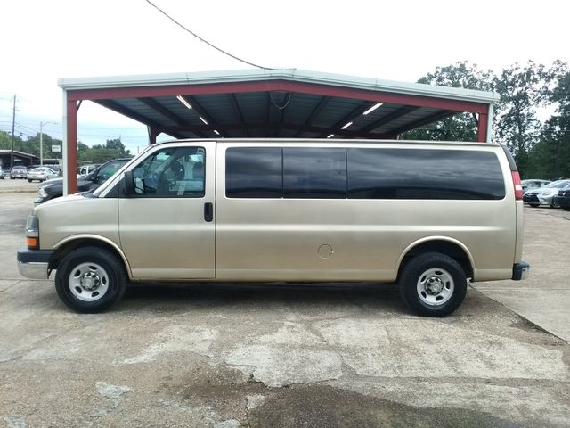 2012 Chevrolet Express 15 Passenger 1LT Houston, Mississippi 2