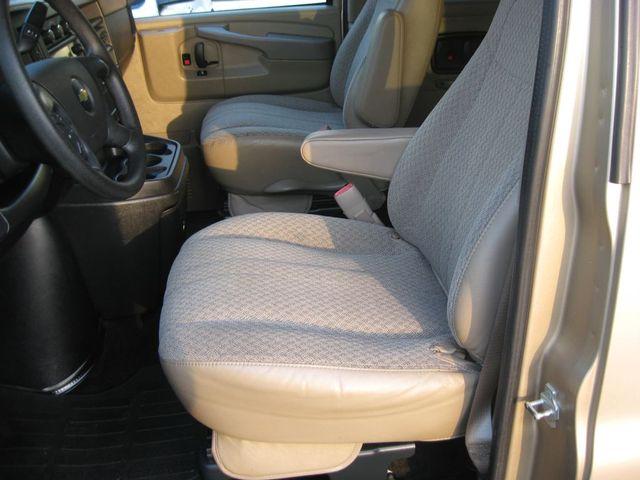 2012 Chevrolet Express Passenger 1LT Richmond, Virginia 11