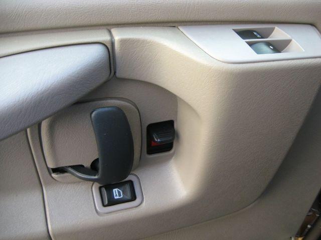 2012 Chevrolet Express Passenger 1LT Richmond, Virginia 12