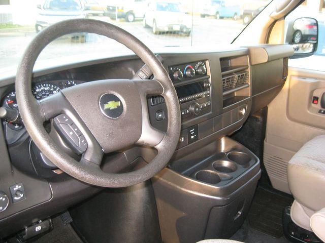 2012 Chevrolet Express Passenger 1LT Richmond, Virginia 8