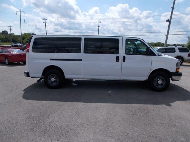 2012 Chevrolet Express Passenger 1LT Shelbyville, TN 10