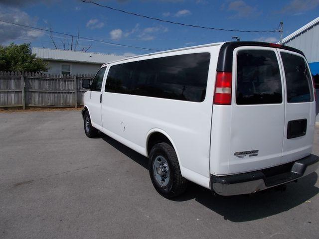 2012 Chevrolet Express Passenger 1LT Shelbyville, TN 4