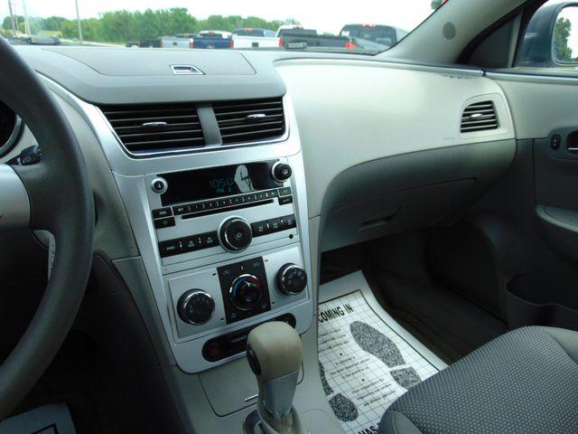 2012 Chevrolet Malibu LS w/1FL Alexandria, Minnesota 9